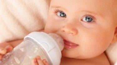 Choosing_Dot_and_Baby_Bottles.jpg