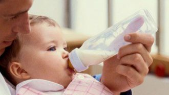 baby_drink_milk.jpg