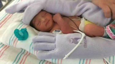 baby handschoen couveuse