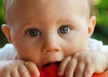 baby leren eten