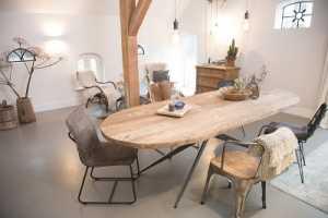 Meneer van Hout vergadertafel keuken
