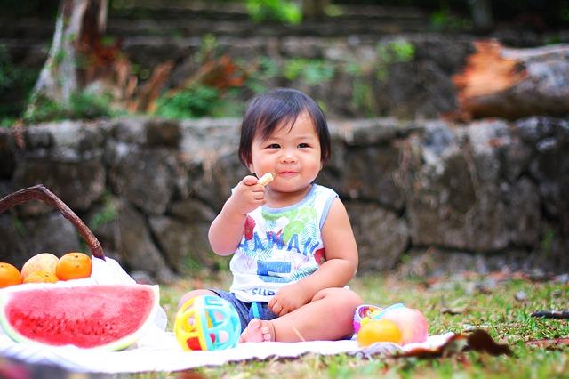 baby rijstwafel eten giftig