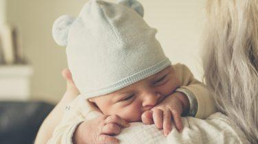 baby pasgeboren muts