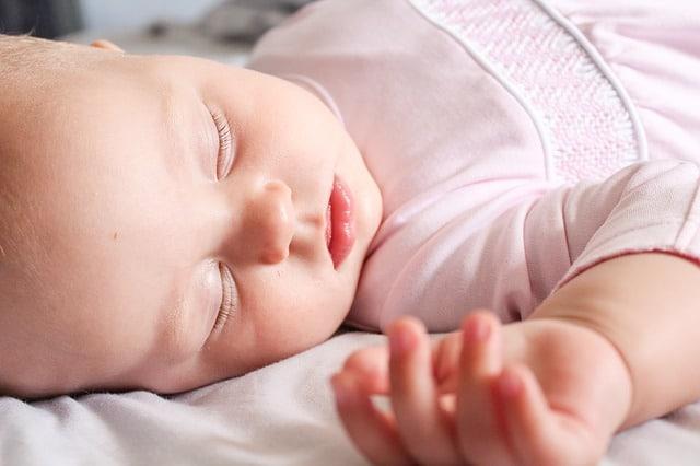 baby slaapt door