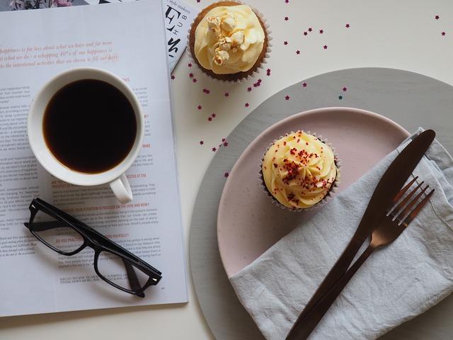 koffie en tijdschrift