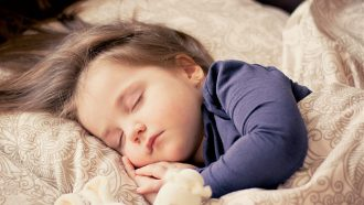 peuter aan het slapen