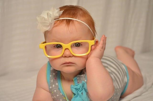 baby met bril