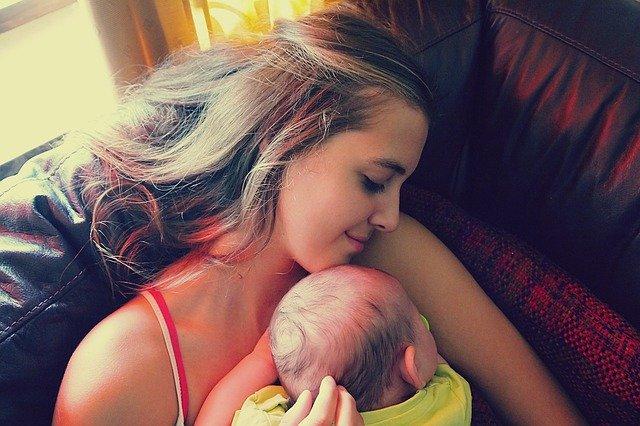 meisje met baby