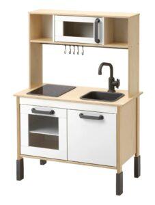 Buitenkeukentje houten keuken