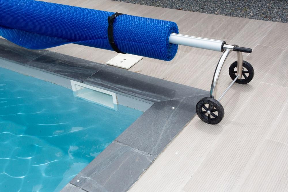 Sluit het zwembad af met een zwembad afdekking