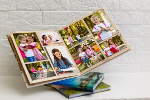 Maak een fotoboek van de baby- en peutertijd 4 tips